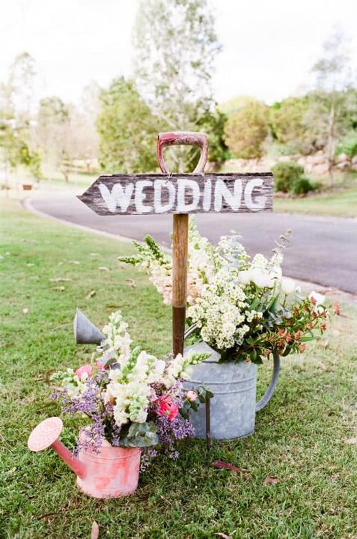 decoración de mesas para una boda al aire libre | en el pais de las