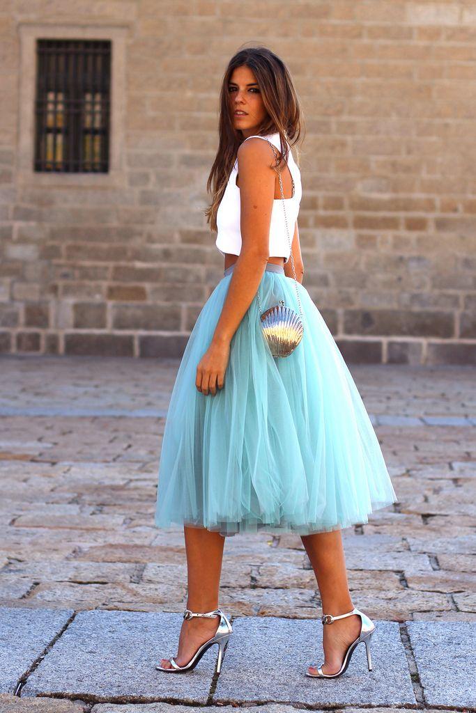 8f37b7e75 Look de la semana: faldas midi para invitadas elegantes | en el pais ...